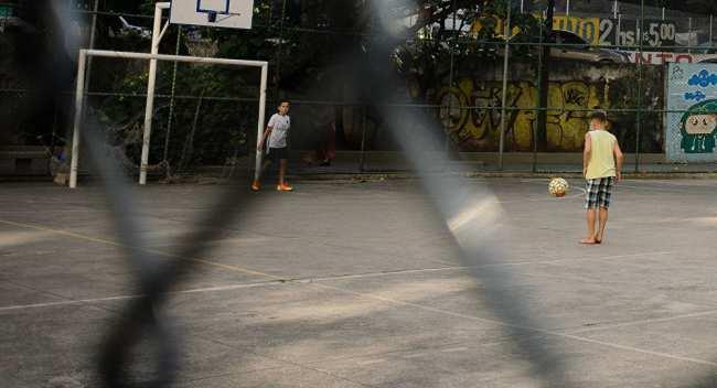 �е�и иг�а�� в ���бол в �по��ивной зоне в Рио-де-�аней�о, 4 авг���а 2016 года