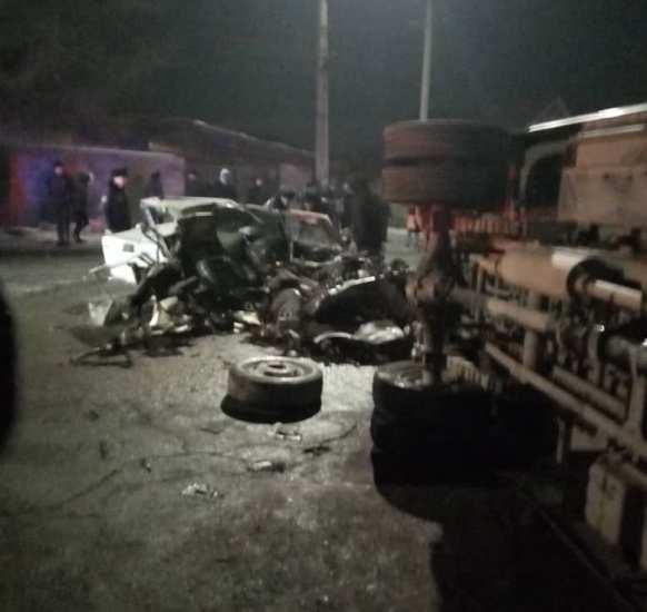 Последствия ДТП на пересечении улиц Элебесова и Тульской