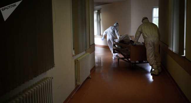 За два дня умерли 26 пациентов с пневмонией в КР. С начала марта — 80