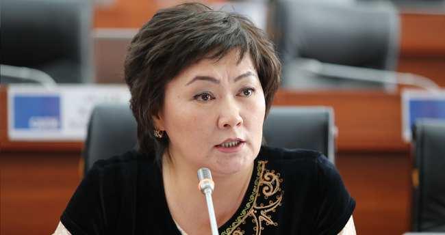 Депутат Жылдыз Мусабекова заболела. Она сообщила, что к ней не едут врачи
