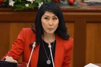 Депутат сообщила, что авиарейс Сеул-Алматы задержали из-за пьяной кыргызской чиновницы