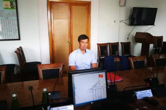 Дастан Бекешев предложил мэру сделать дороги односторонними в часы пик