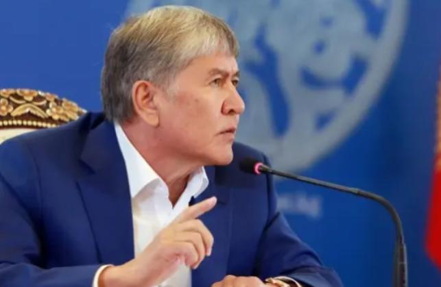Атамбаев сегодня вновь выскажется о якобы «черной бухгалтерии» штаба Жээнбекова
