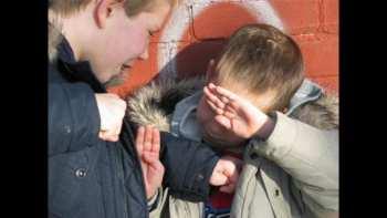 Как понять, что ребенок стал жертвой школьного рэкета, и что делать