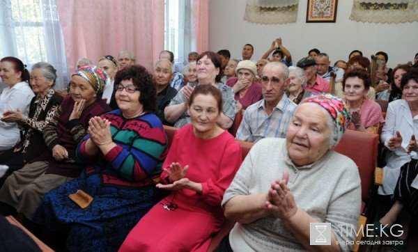 1303631651_roza-otunbaeva-9.jpg