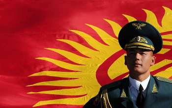 Сооронбай Жээнбеков: С каждым годом служба в армии Кыргызстана становится почетной