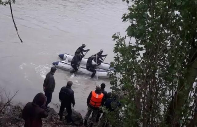 Тело 5-летнего Барсбека нашли в 13 км от места падения в канал Ат-Башы