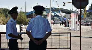 Казахстан снял запрет на ввоз из Кыргызстана яблок, картофеля и хурмы