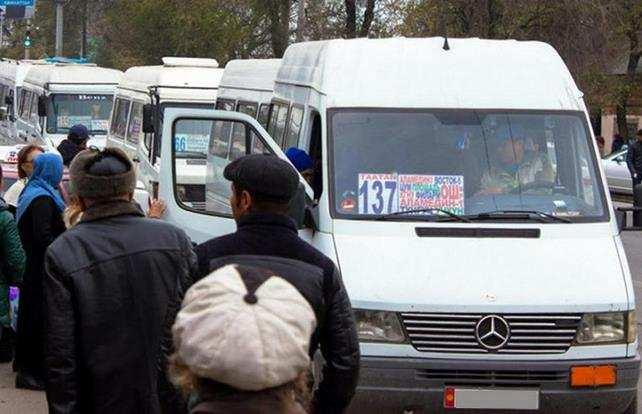 Управление транспорта: Водители маршруток побоялись выходить на работу утром из-за темноты