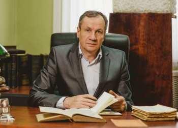 """Известный российский онколог лечит своих больных """"Иссык-Кульским корнем"""""""