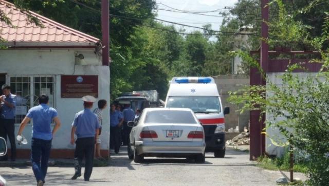 Бишкекчанин купил машину, а милиционеры отобрали ее из-за уголовного дела
