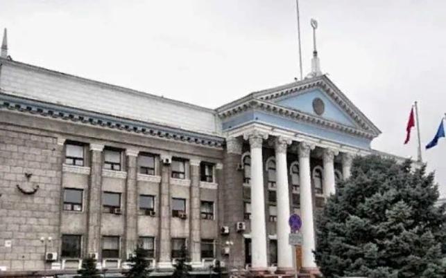 Бишкекский горкенеш и мэрия незаконно списали деньги на выборы в парламент