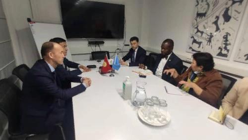 Депутаты просят главу ПРООН помочь в восстановлении домов баткенцев