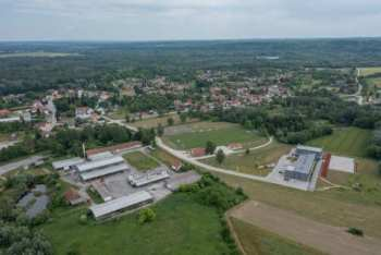 В Хорватии распродают дома за 14 сомов