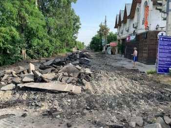 В Бишкеке на ремонт закрыта улица Жукеева-Пудовкина