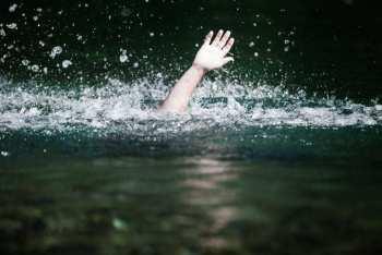 В Бишкеке в канале утонул пятилетний мальчик